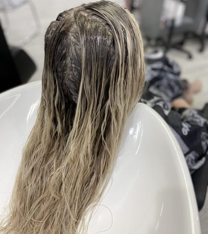 Root melt, color melting, root smudge, root shadow. Hair salon in Cherry Creek Denver CO